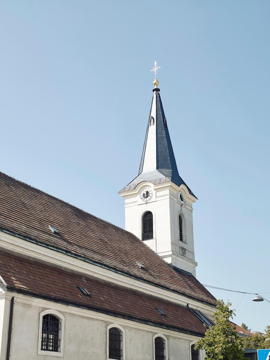 Eigentumswohnung Liesing Wien - Kirchturm